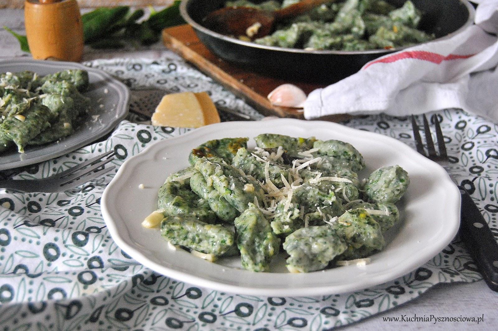 553. Kluseczki szpinakowe w sosie z szałwią i parmezanem, gnocchi verdi