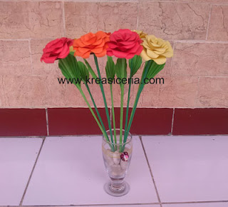 Hiasan Bunga Mawar dari Kertas Origami dan Cara Membuatnya