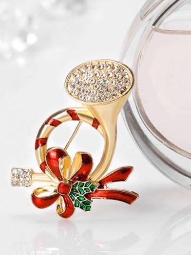 https://www.zaful.com/rhinestone-tassel-christmas-santa-brooch-p_374566.html?lkid=12280887