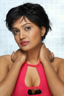 Hot south actress anamika glamour pictures HD Wallpaper High Quality Screen Savers