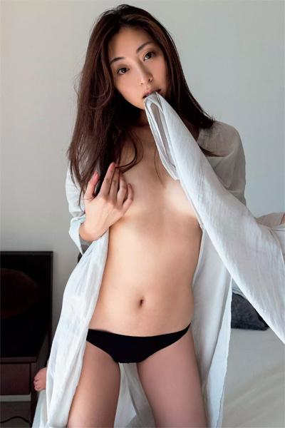Natsuko Tatsumi 辰巳奈都子, Weekly Playboy 2018 No.53 (週刊プレイボーイ 2018年53号)