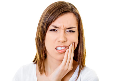tooth cleaning in Bellevue to help sensitive teeth