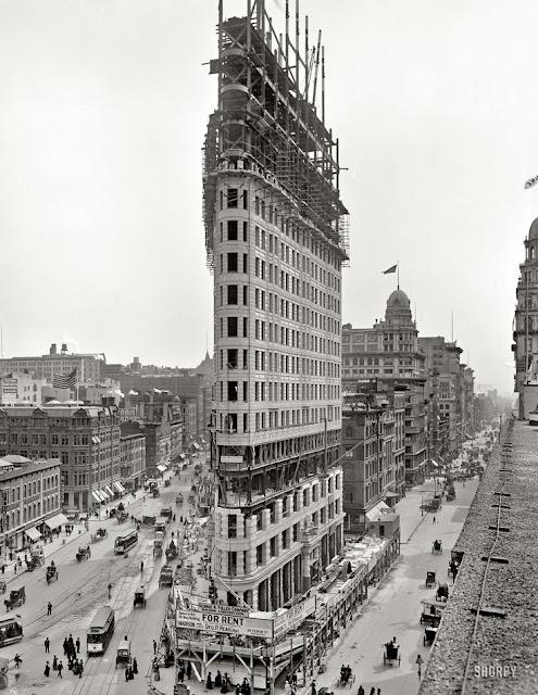 New York Flatiron randommusings.filminspector.com