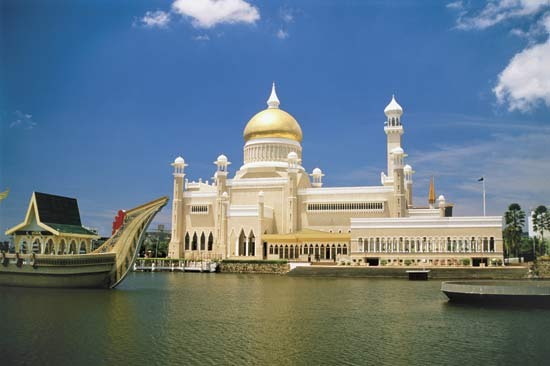 Bandar Seri Begawan Brunei Travel Guide Tobias Kappel
