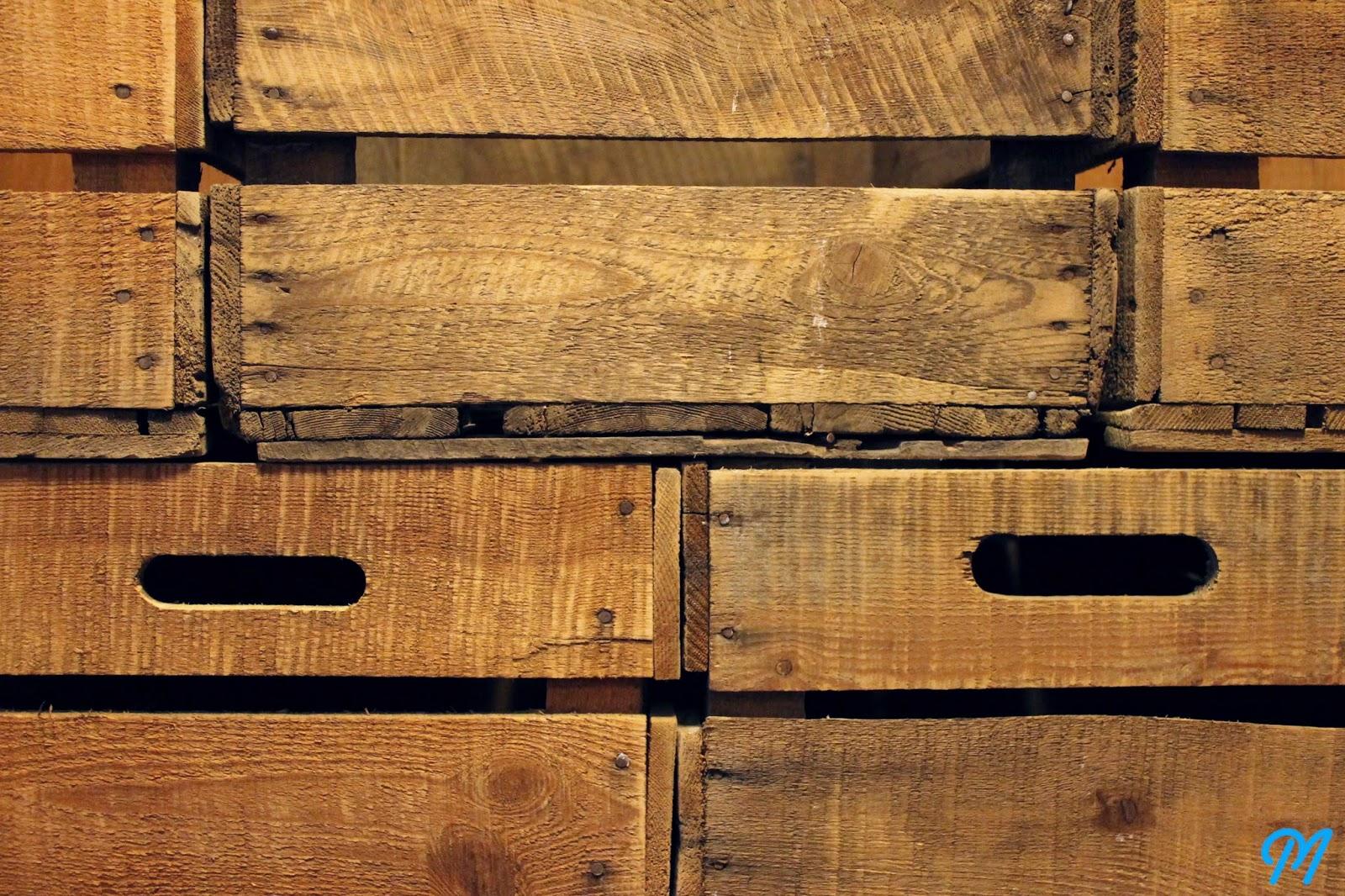 caisses anciennes pommes c robert. Black Bedroom Furniture Sets. Home Design Ideas