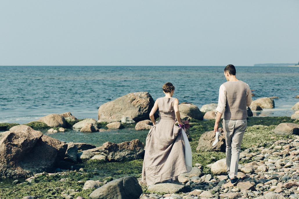Nestandarta kāzu kleita apģērbs no lina
