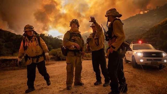 Εκατοντάδες πυρκαγιές μαίνονται στην Καλιφόρνια (βίντεο)