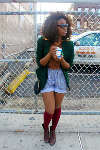 18 Tumblr Summer Outfits fashion vintage thrifted green blazer denim shorts