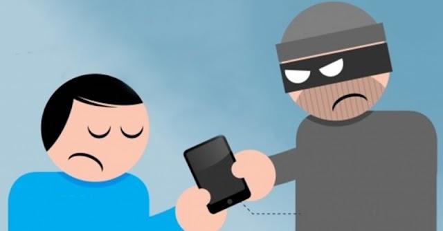 Faxinal-Rapaz sai de trás de árvore e rouba celular de jovem