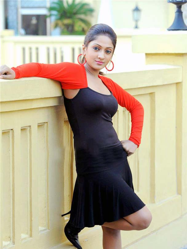 Hot Sexy Photo Gallery of Telugu Actress - Sheela