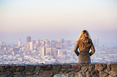 Tips for Women to Travel Safely