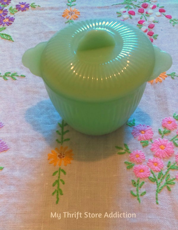 Friday's Find #141 mythriftstoreaddiction.blogspot.com Vintage jadeite: Jane Ray sugar bowl with lid, half price at an estate sale!