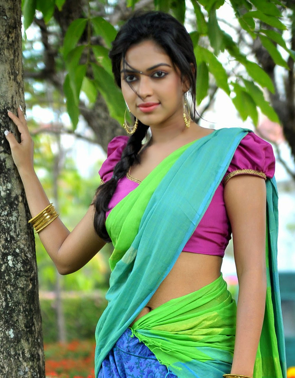 Amala Paul Hot In Saree Pallu Drop Big Boobs Deep Navel