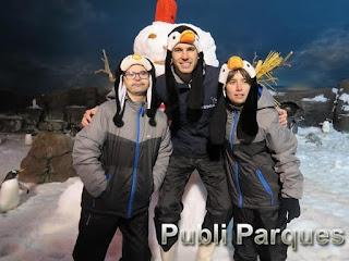 Lucas Hernández con Pingüinos Faunia y fundación FDI