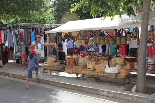 Urlaubsmitbringsel von Mallorca: Korbtaschen