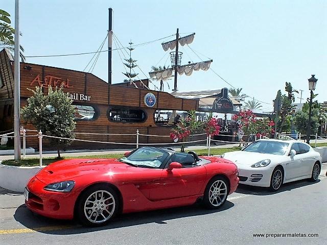coches de lujo puerto banús