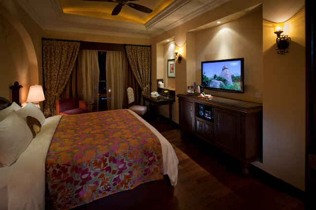 room facilities with high speed internet access