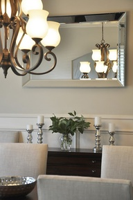 Salones clásicos y bien decorados