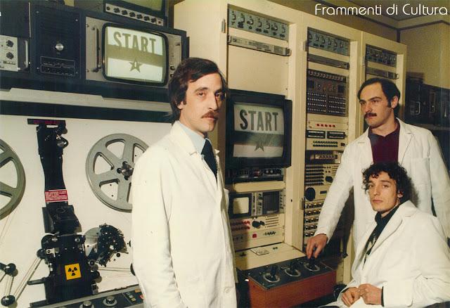 Il Telecinema Rank Cintel, nel 1980, con i tecnici: Antonio Renzo, Bruno Lombardi e, seduto, Adriano Longo