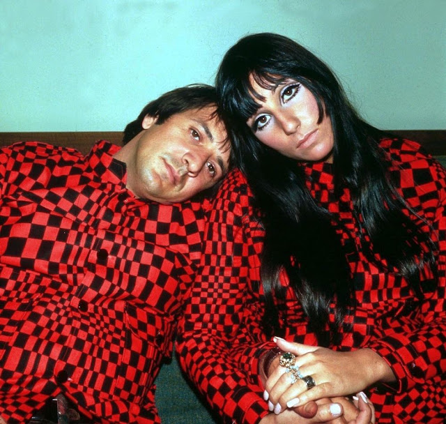 25 Wonderful Color Photographs Of Sonny Bono And Cher From -7464