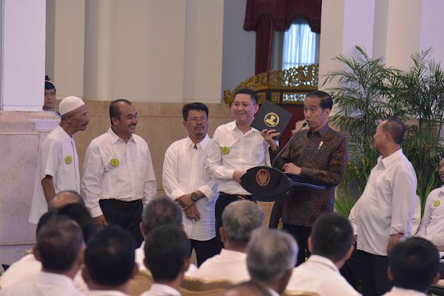 Silaturahmi Dengan Petani Tebu, Presiden Jokowi Pelajari Usulan Kenaikan Harga Gula