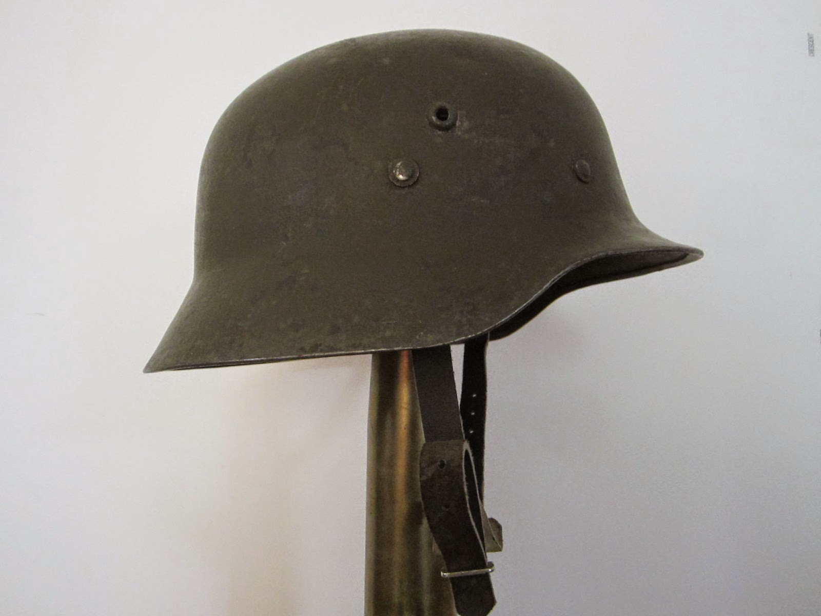 Mannie Gentile: Combat Helmets of the 20th Century