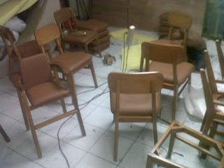 service kursi kayu di bekasi