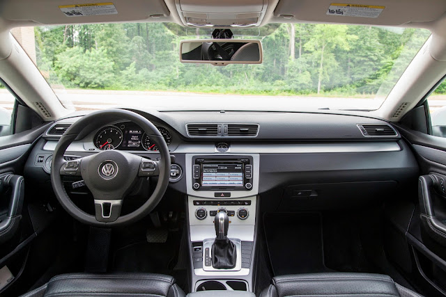 Interior view of 2016 Volkswagen CC