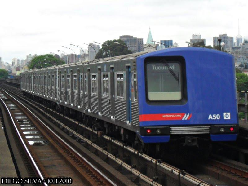 R7 testa o Metrô na Linha 1    Do Tucuruvi ao Jabaquara, usuário reage como  manada na Sé   51d8d2598e