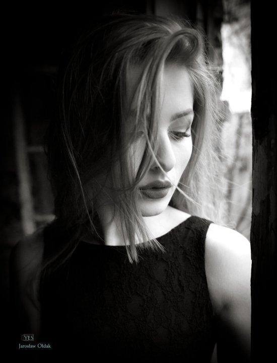 Jaroslaw Oldak watssup 500px arte fotografia mulheres modelos fashion beleza cabelos esvoaçantes preto e branco