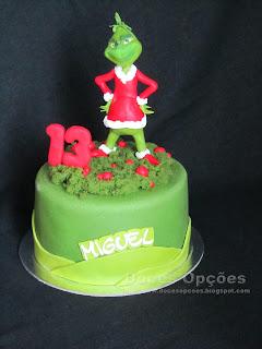 Bolo de aniversário com o Grinch de Natal
