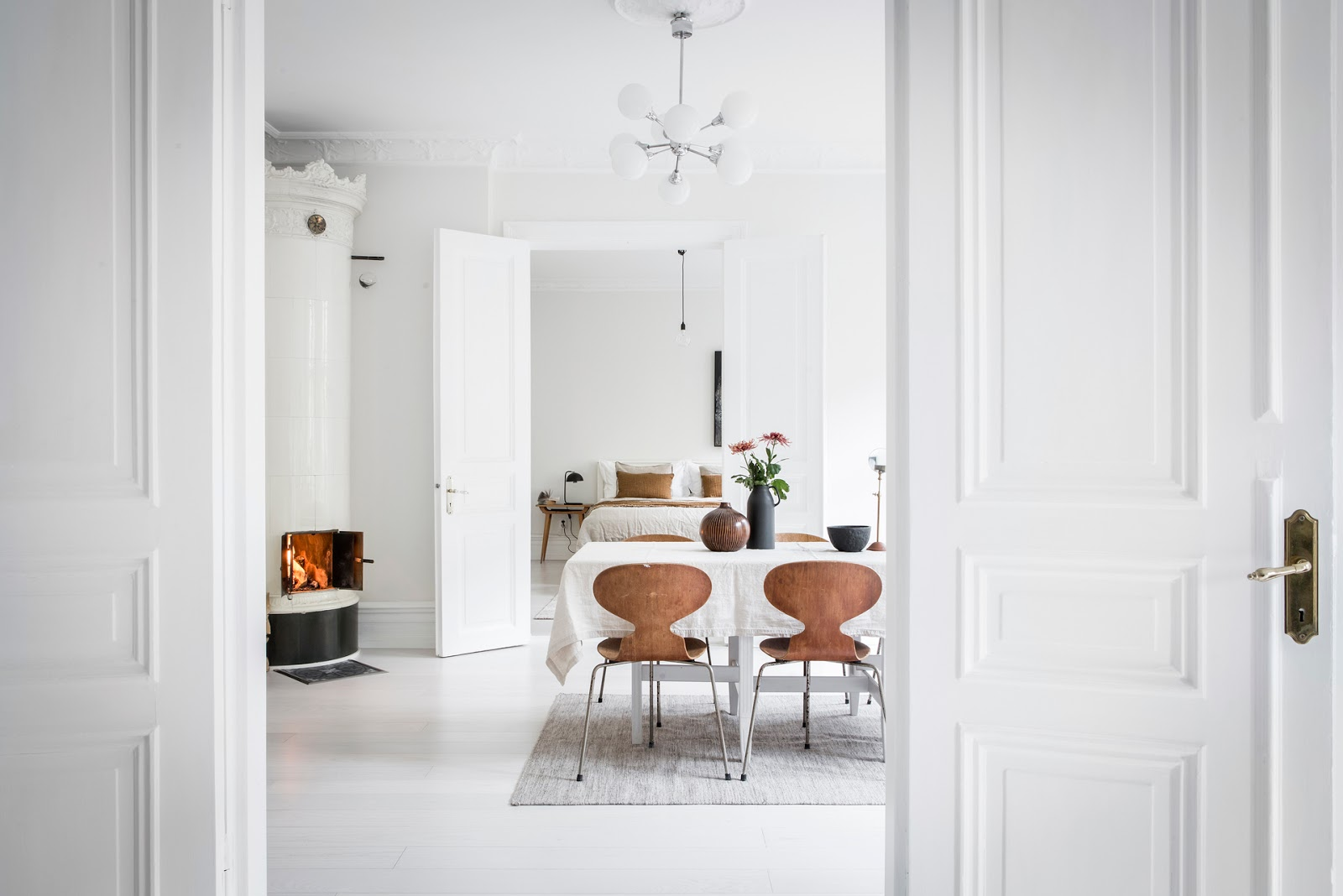 Peaceful Nordic apartment with the dominant white color | design ...