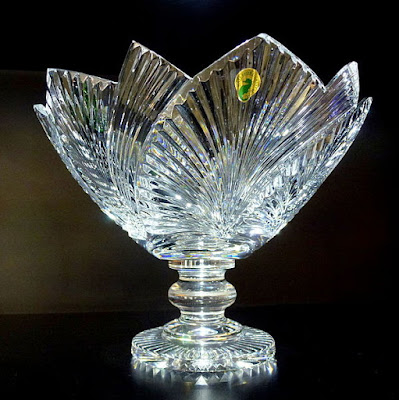 Waterford_Crystal_Vase_%2528geograph_3748920%2529.jpg