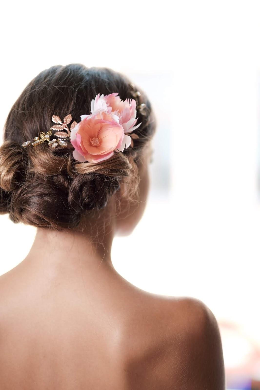 Fryzura ślubna - niski kok