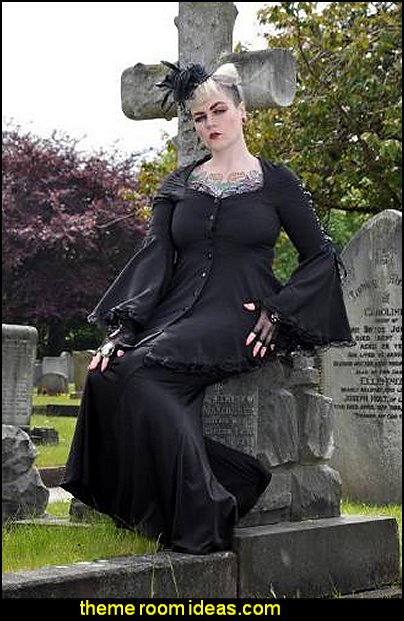 Lace Gothic Corset Top in Black and Purple