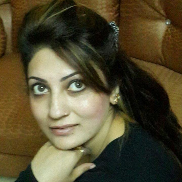 Hot Mujra: Iram Chaudhry Club Hot Nanga Mujra Kamli Kamli