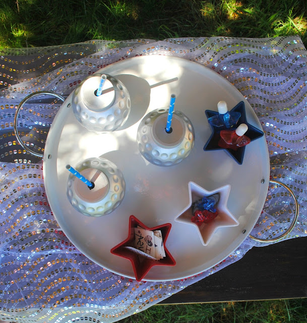Fun party favors for your 4th of July party over on FizzyParty.com