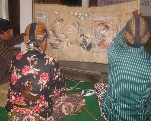 www.Tinuku.com Wooden masks Bobung village Gunung Kidul embracing classical traditions Panji Mask Dance performance
