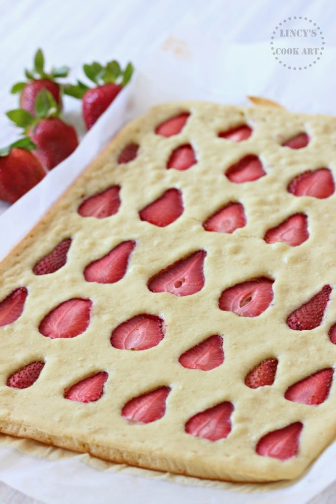 strawberry sheet cake strawberry sheet cake lincy s cook 7768