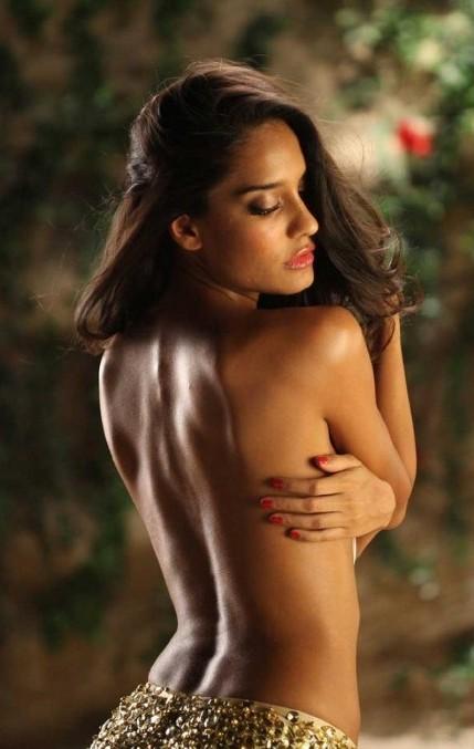 Lisa topless