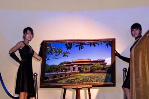 Samsung ra mắt điện thoại INNOV8 với kỉ lục Guiness Việt Nam với bức ảnh ngọ môn Huế do Hoàng Trung Thuỷ chụp