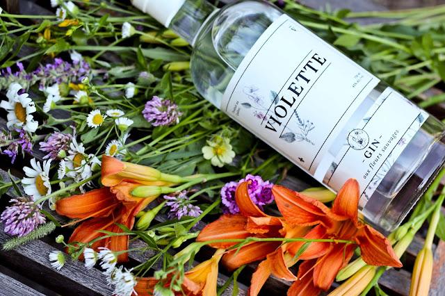 gin,critique,floral,gin-violette,botanique,gin-quebecois,micro-distillerie,louiseville,gin-pub,fleur-sauvage,madamegin