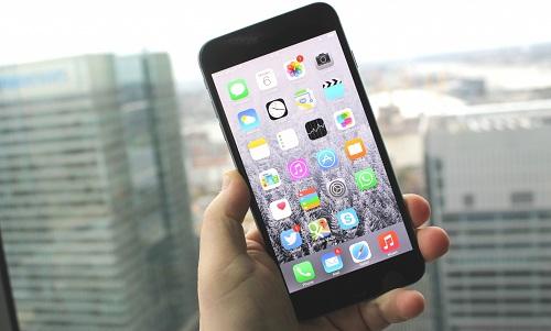 Thay màn hình iPhone 6 Plus bao nhiêu?