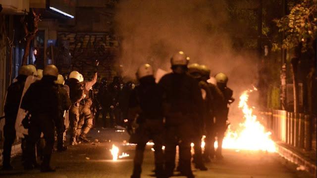 Αλωνίζουν ανενόχλητοι οι αντιεξουσιαστές: Σπάνε και καίνε σε ολόκληρη την Ελλάδα