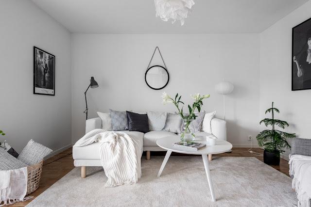 Alb și gri într-un apartament de 50 m²