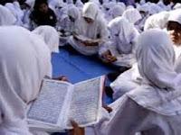 Ulangan Semester Ganjil  Pendidikan Agama Islam dan Budi Pekerti Kelas 12  2016-2017 by Mahrus MOMIRI