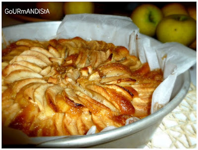 image-Recette de grand-mère : gâteau aux pommes, caramel et rhum
