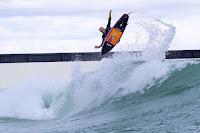 wavegarden ubnsurf melbourne Wavegarden Test Pilot 2