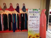 furniture semarang - etalase pakaian butik distro muslim hijaber 11
