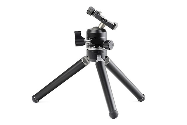 Sunwayfoto XB-28 Low Profile Ball Head on Sunwayfoto T1A20D Alu Tripod